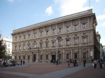 Итальянские радикалы провели акцию протеста у консульства РФ в Милане