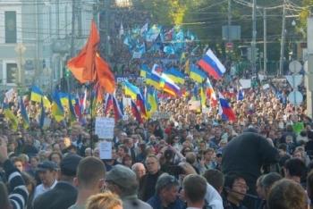 В крупных российских городах прошли Марши мира
