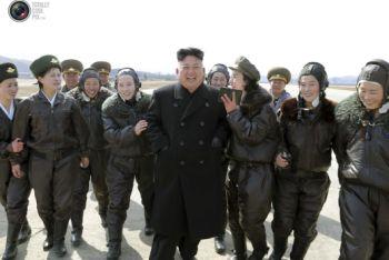 Северокорейский диктатор воссоздает 'Взвод наслаждений'